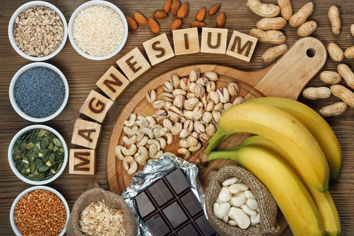 magnesium foods: banana, chocolate, almonds, peanuts, oats, pistachios and more